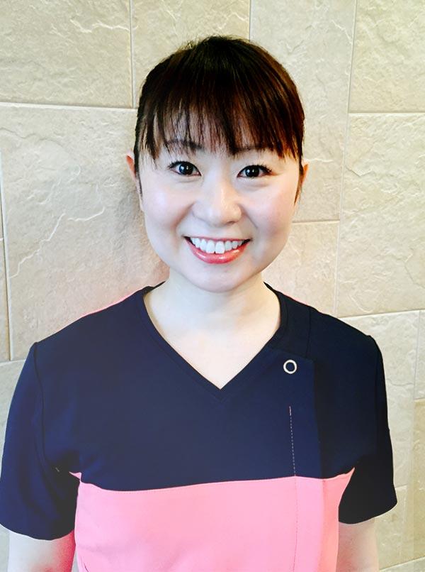 エイミー歯科院長 藤田 英子近影